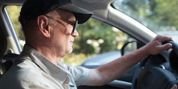 Wiek kierowcy – czy ma wpływ na bezpieczeństwo na drodze